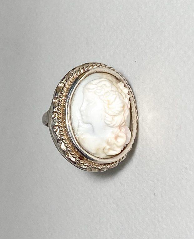 Серебряное кольцо Камея Вид 2