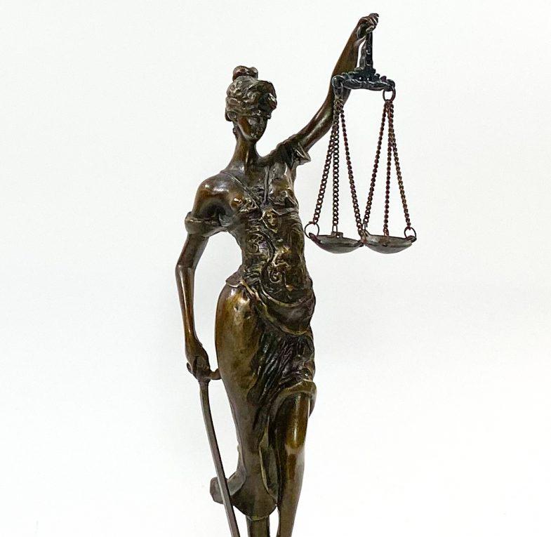 Бронзовая статуэтка Фемида Вид 1