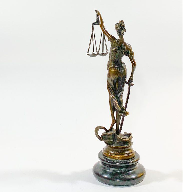 Бронзовая статуэтка Фемида Вид 2