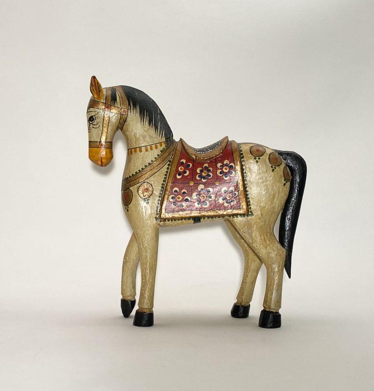 Деревянная лошадка с росписью Вид 2